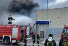 Barletta – Incendio Dalena Ecologica, avviati i controlli e i primi campionamenti