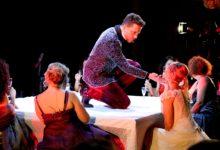 """Bisceglie – Applausi per la prima di """"Hotel Dorian Gray"""": uno spettacolo-concerto promosso dal Rotary. FOTO"""