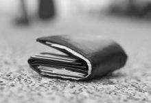 Trova portafogli pieno di soldi e carte di credito e lo consegna ai Carabinieri: encomiabile gesto di un andriese