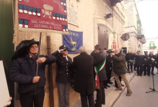 Bisceglie – Scoprimento lapide in memoria di Antoni0 Papagni. VIDEO e FOTO
