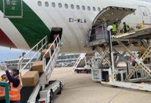 Puglia – Altre centomila tute dpi arrivate dalla Cina. L'aereo è atterrato stamane a Bari. FOTO