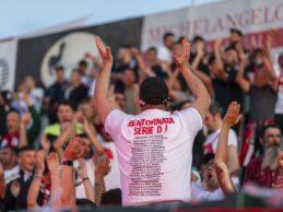 """Molfetta Calcio in serie D! Una serata da ricordare: i festeggiamenti allo stadio """"Paolo Poli"""". Ecco le FOTO"""