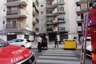 Trani – Cadono calcinacci da un balcone di uno stabile in via Malcangi