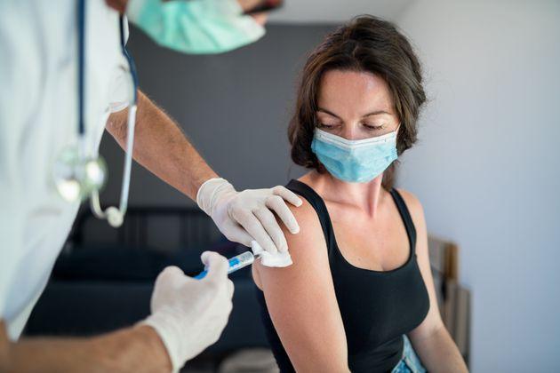 Covid 534 621 Dosi Di Vaccino Somministrate In Puglia 601 745 Sono Quelle Arrivate Fino A Ieri Batmagazine